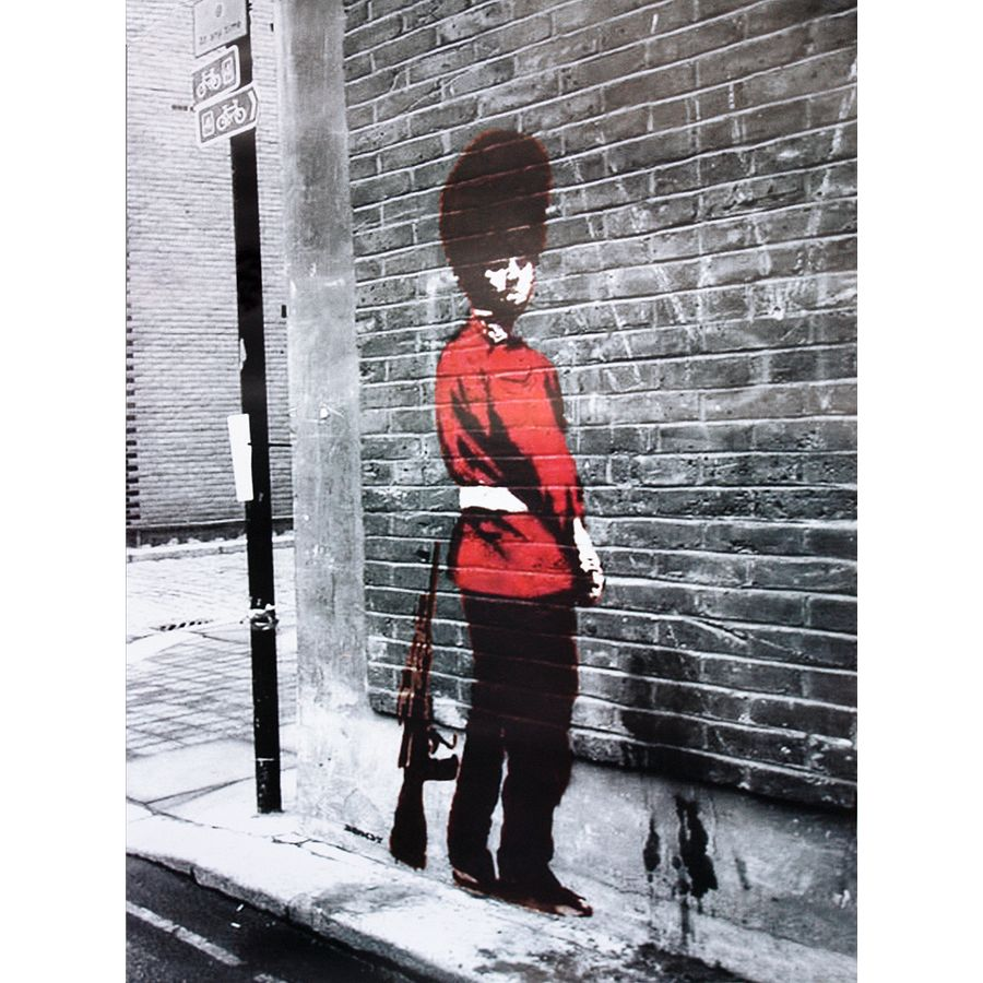 banksy poster queens guard small posters buy now in the shop close up gmbh. Black Bedroom Furniture Sets. Home Design Ideas
